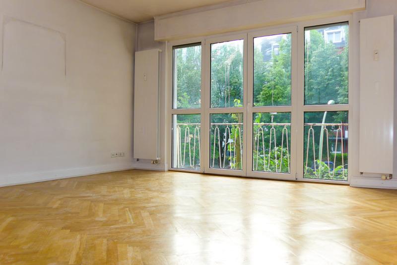 Wohnzimmer mit sog. französischem Balkon