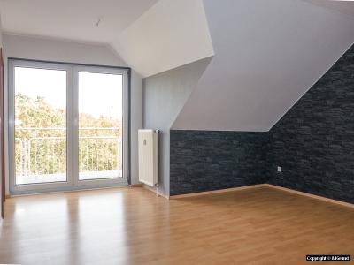 Wohnzimmer mit Balkon nach Osten