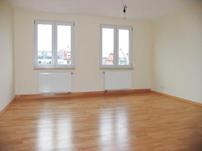 Wohnzimmer (Hinweis: alle Fotos aus 2005; Zustand ohne wesentliche Änderungen)