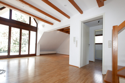 Living area; right guest toilet; far right staircase to the gallery