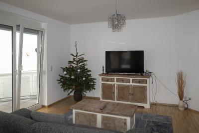 Living room, still Christmas like