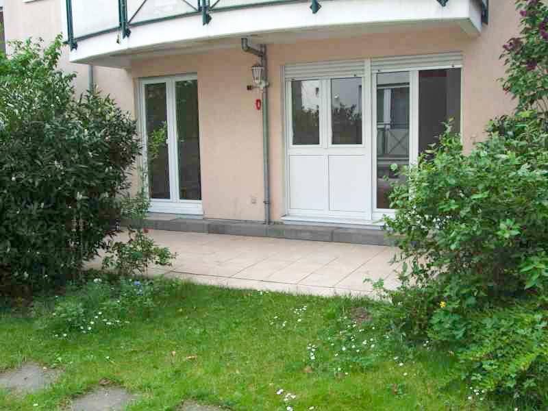 Terrassenseite mit Sondernutzungsrecht an Gartenanteil